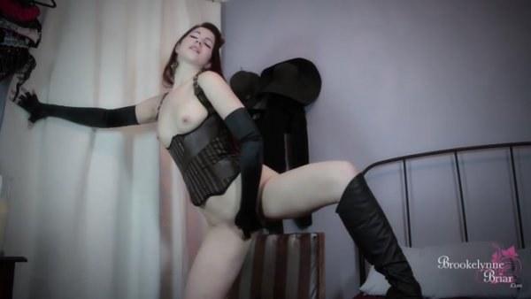Brookelynne Briar - Steampunk Striptease