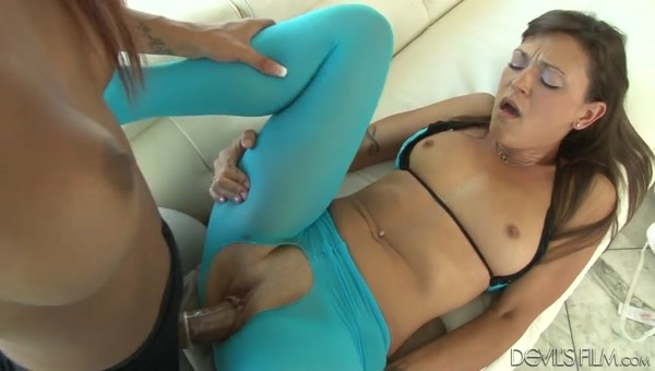 Honey Foxxx B - In pantyhose, my horny ass is even more elegant and desirable!