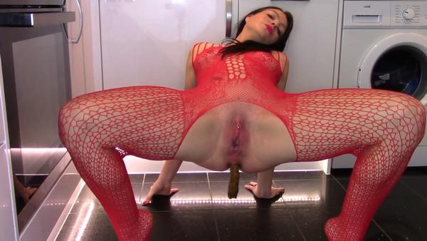 Scat - Evamarie88 - Extreme Scat Slut  [Scatshop.com / 2019 / FullHD 1080p]