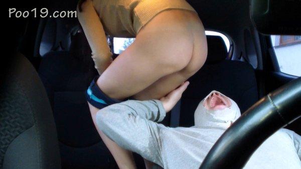Christine - Feeding in the car (2019 / FullHD 1080p)