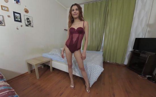 Alexa Masturbates on the Bed Oculus Rift