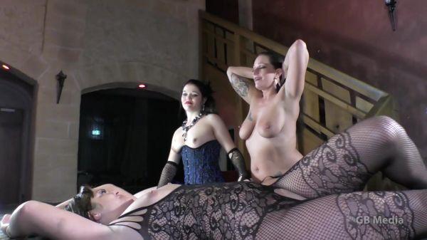 Jolie Noir, Stella Love, Dirty Doreen - p-p-p.tv - JolieNoir StellaLove und DirtyDoreen - Teil 7 (11.01.2020) (FullHD 1080p) [2020]