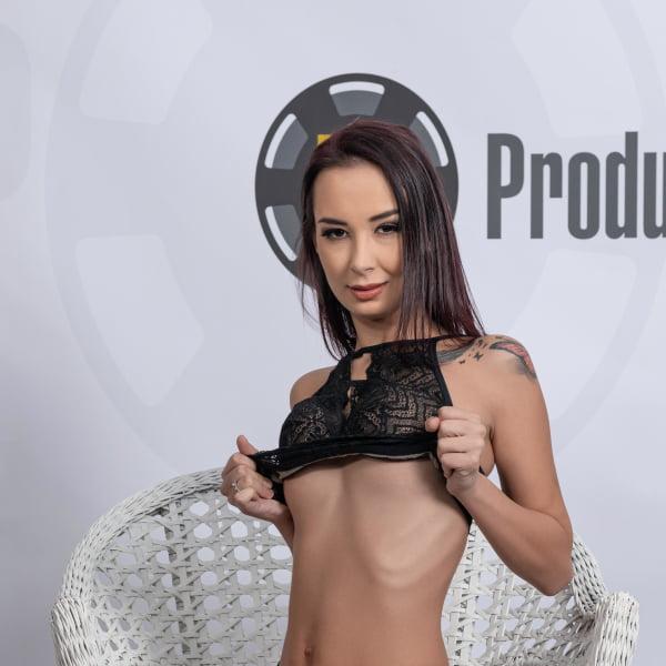 Freya Dee #1 - Bukkake - First Camera (09.01.2020) [FullHD 1080p] (Bukkake)