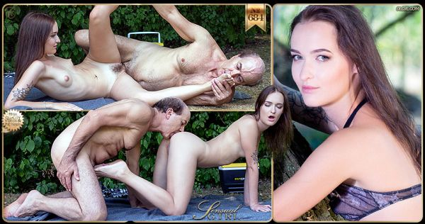 Sasha Sparrow - №684 Sex, Delivered [FullHD 1080p] (Young)