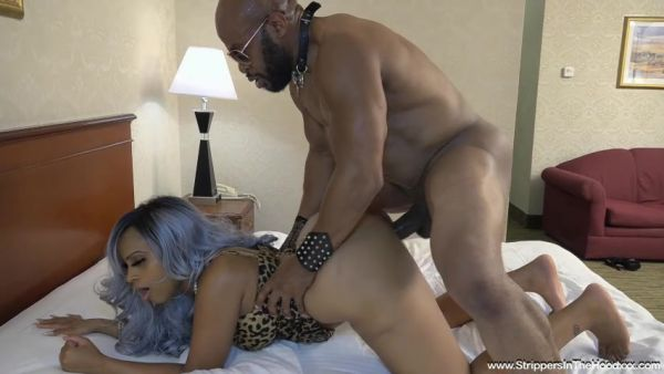 Aphro - Gorgeous Aphro has has her 1st experience with a BBC stripper and not only gets pounded but also gets filled up with his nut [SD 480p] (Strippersinthehoodxxx)