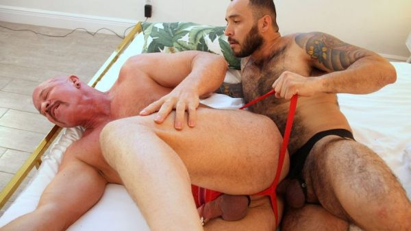 HOM - Daddy Adam Clay Loves Julian Torres' Uncut Cock - Adam Clay, Julian Torres