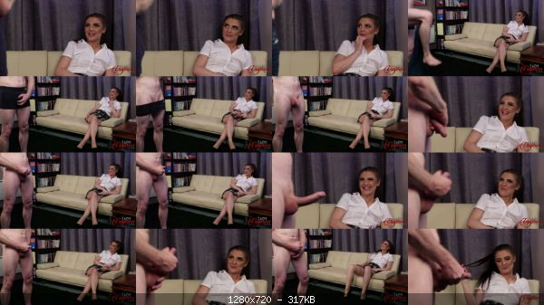 CFNM_48-roxee_couture_roxee_interview_thumb.jpg