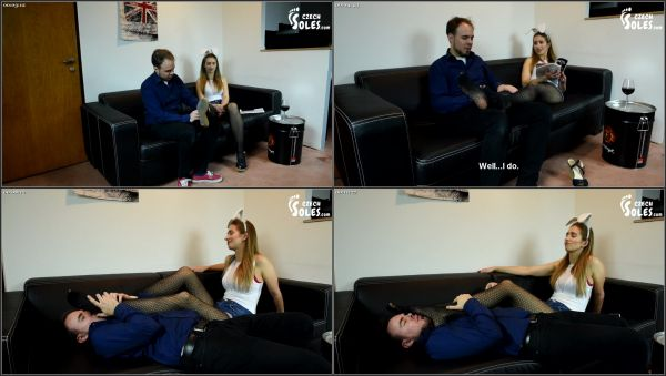 Playboy Party Hot Foot Worship [CzechSoles] Daniela (504 MB)
