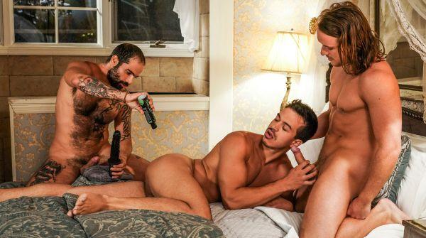 LR_-_Edji_Da_Silva_Owns_Dan_Saxon_And_Jonathan_Miranda_With_Blunt_Sex.jpg