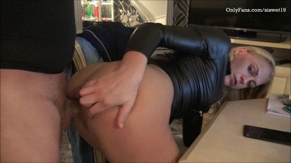 SiswetLive - Gagging on his Cock,Then i get Fucked (16.01.2020) [FullHD 1080p] (Blowjob)