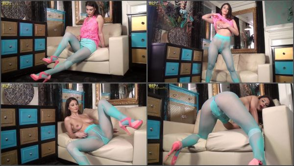 [23.03.16] Blue On My Pink [Pantyhosed4U] Roxy Mendez (899 MB)