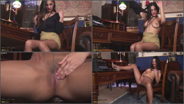 [08.06.16] Soft To The Touch [Pantyhosed4U] Estelle (1.18 GB)