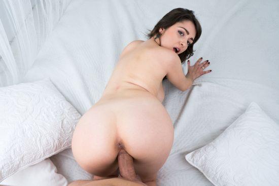 Big Breasts In Barcelona - Miriam Prado Smartphone