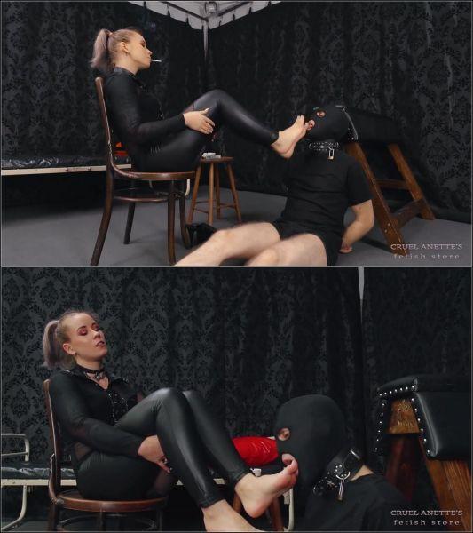Cruel Anettes Fetish Store: Mistresses Anette, Kittina - FOOT WORSHIP ON A LEASH (FullHD/1080p)