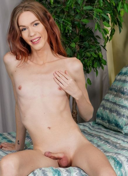 Horny Crystal Thayer Cums