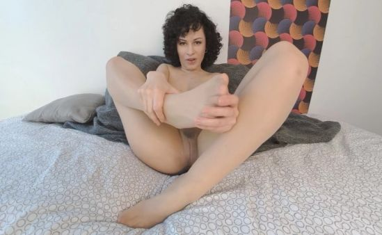 Stacy Bloom - Self-Love in Pantyhose Smartphone