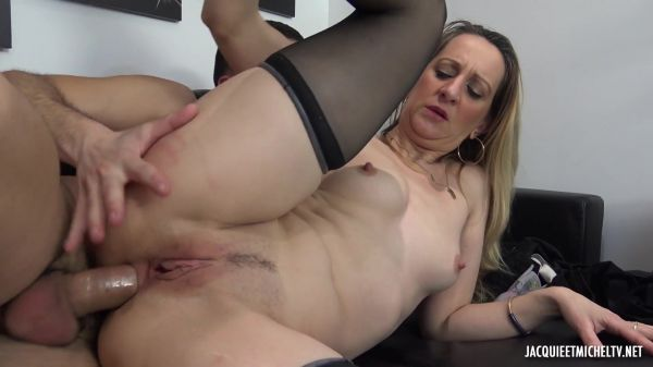 Louise - JacquieetMichelTV - Louise, 42 years old, a breeding slut (23.03.2020) (FullHD 1080p) [2020]