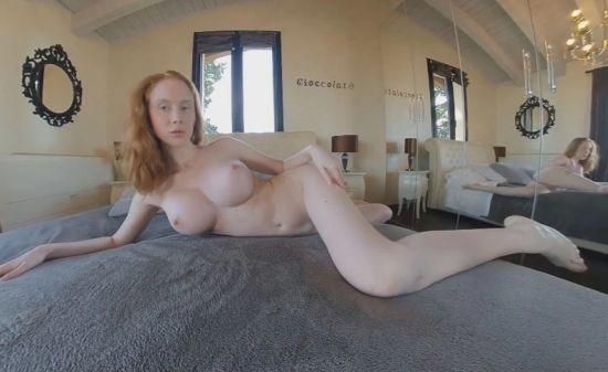 Ginger Vanity Oculus Rift