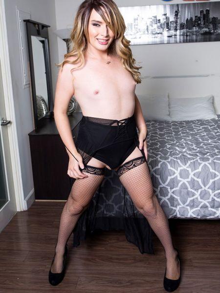 Sofia Liberace Cums