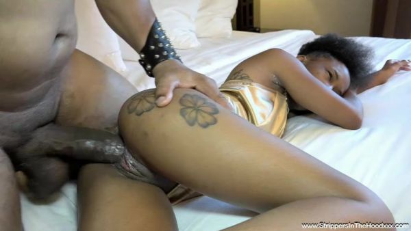 StrippersInTheHoodxxx: Mini Stallion - BBc Stripper Fils Her Up With His Nutt (SD/480p)