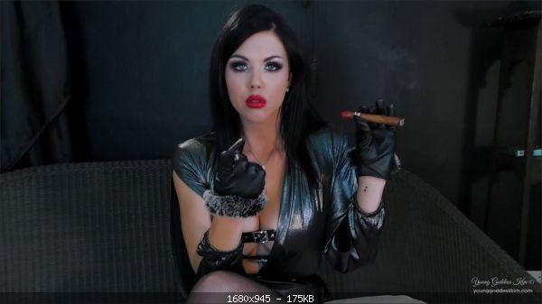 Young Goddess Kim - Smoke Subject