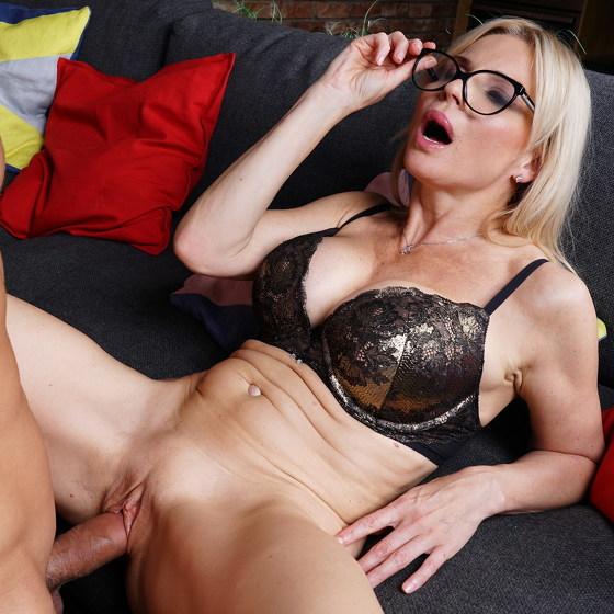 Hot MILF Nadya Basinger getting an anal creampie