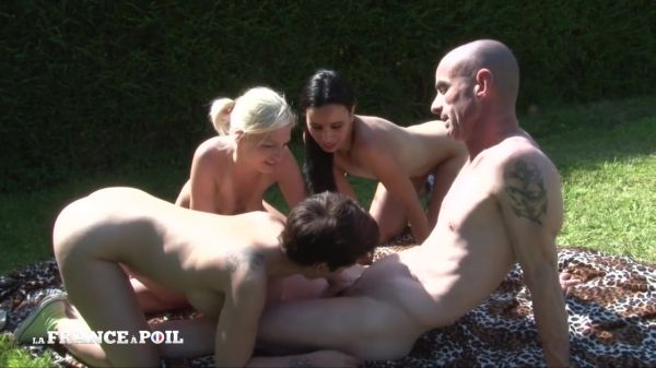 Pryscilla Lopez, Louna Vasseur, Amelie Pucycat - Un gouter entre filles qui finit en grosse baise en plein air (09.04.2020) (HD/2020) by LaFranceaPoil