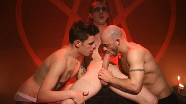 UKNM - Satan's Slaves - Matt Hughes, Ben Statham And Robbie Rivers
