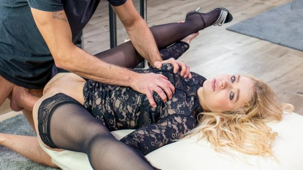 Alexa Flexy - Gorgeous blonde smashed in hardcore anal scene (21.04.2020) [FullHD 1080p] (Anal)