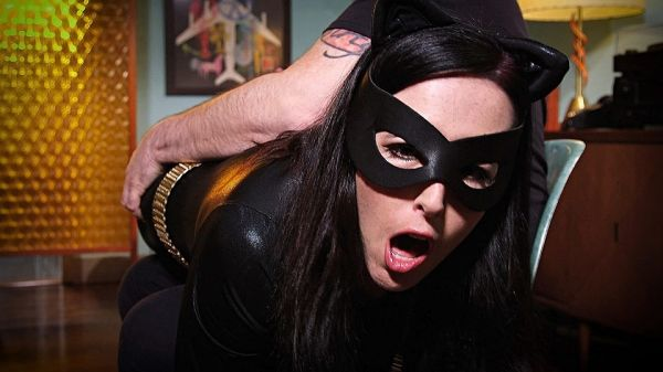 Catwoman Double Crossed By Her Dubious Henchman