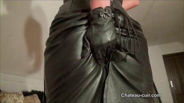 Chateau-Cuir - Chateau-Cuir - Cum On Ass POV