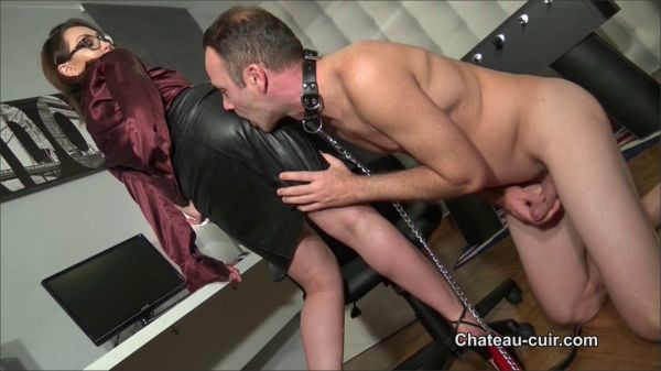 Chateau-Cuir - Cum On Her Posh Leather Skirt Part One
