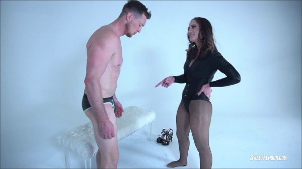 SweetFemdom - SweetFemdom - Life as a Slave for Akira Shell Part 1 BALLBUSTING (Akira Shell)