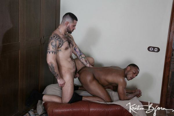KB_-_Casting_Couch__430_-_Aaron_Caban___Santi_Sexy.jpg