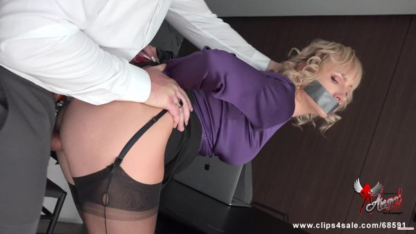 Clip4Sale: Angel The Dreamgirl - Looks like Trouble to Her (12.03.2020) (UltraHD/4K/2160p)