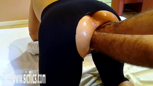 Queen Maria - Double fisting Marias ass (01.06.2020) (HD/2020) by Sicflics