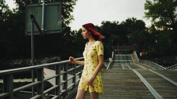 [Image: Elin_Flame_-_Teasing_On_The_Bridge.mp4_s...33.977.jpg]