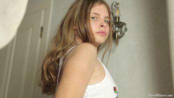 [Image: Katya_-_No_Peeking__005436_2020-06-19-23-42-35_.JPG]