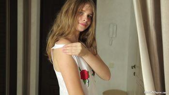 [Image: Katya_-_No_Peeking__006697_2020-06-19-23-43-18_.JPG]