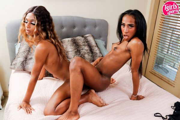 Diamond Caine, Tiffany Stackemz - Diamond & Tiffany [HD 720p] (Tgirls.porn)