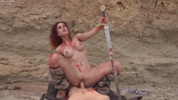 Molly Stewart - Red Sonja Cosplay