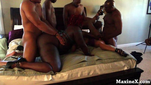 Maxine X - My First BBW BBC Orgy BTS 1 Short Version (02.07.2020) [HD 720p] (MaxineX)