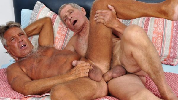 Older4Me - Straight Daddy Takes a Big Dick - Chaco & Paulino