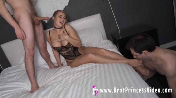 Gives Her Alpha Boyfriend A Blowjob While Cuck Worships Feet [BratPrincess] Natalya Vega (1.48 GB)