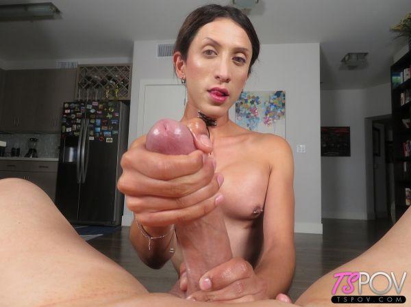 Ashley Silver - Amateur Petite Trans Stunner Makes A Porno (HD 720p)