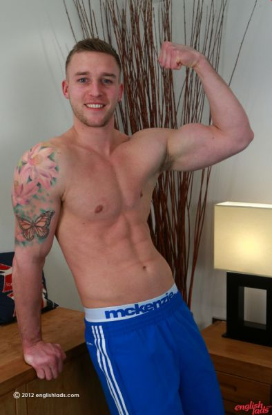 ELs - Straight Muscular Hunk and Porn Star Jack Shows us his Massive 9 Inch Uncut Cock! Jack Mason