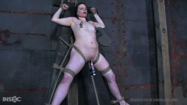 Duct Fuct Doll Part 3 [RealTimeBondage] Claire Adams (2.71 GB)