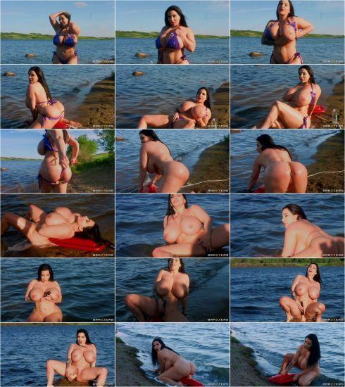 Goddess - Korina's Hot Fun In The Sun (29.07.2020) (FullHD/2020) by Big Tits