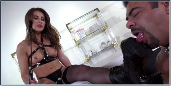 Paige Owens - Bow To Boots Femdom