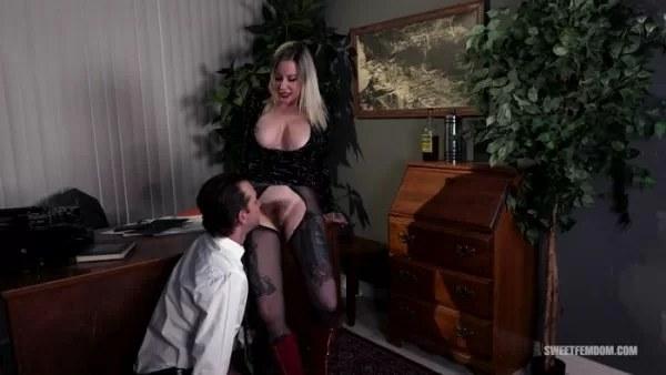 Madeline Marlowe - Hot Secretary Using Her Boss's Tongue